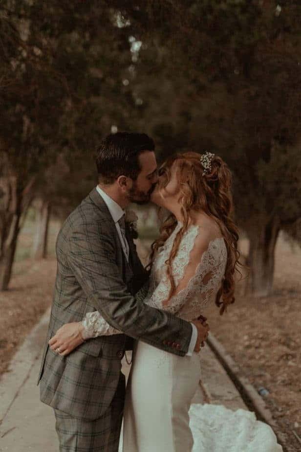 Couple kissing at Villa Bologna Wedding