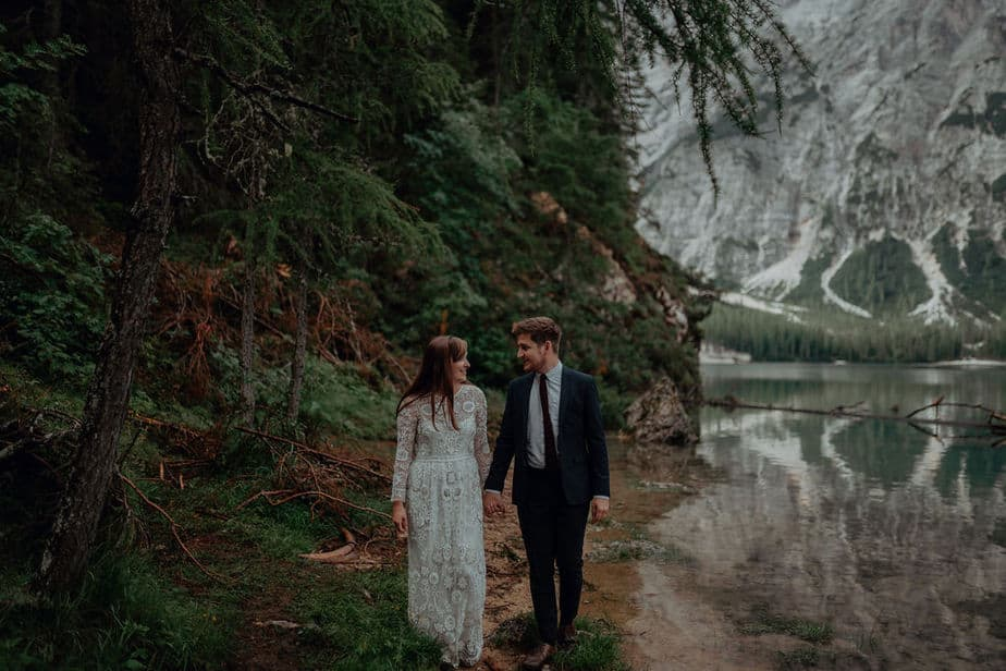 Lago di Braies Couple Session by Belle Art Photography